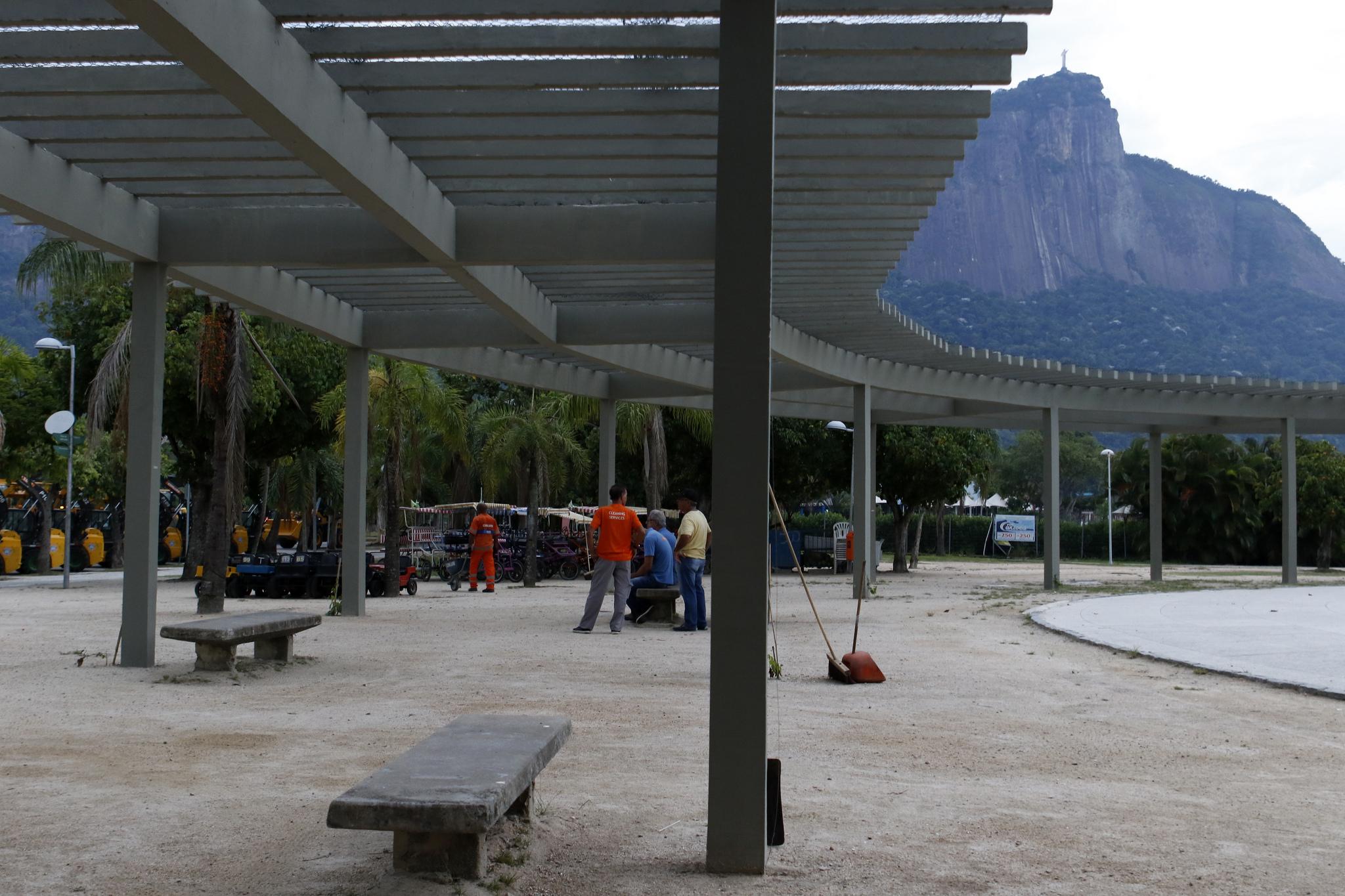 Prefeitura entrega pérgola do Parque dos Patins reformada