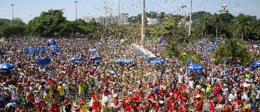 Brasileiro quer Carnaval patrocinado pela iniciativa privada, diz pesquisa