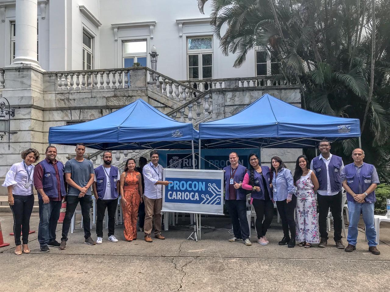 Procon Carioca participa da entrega de 250 autonomias a taxistas