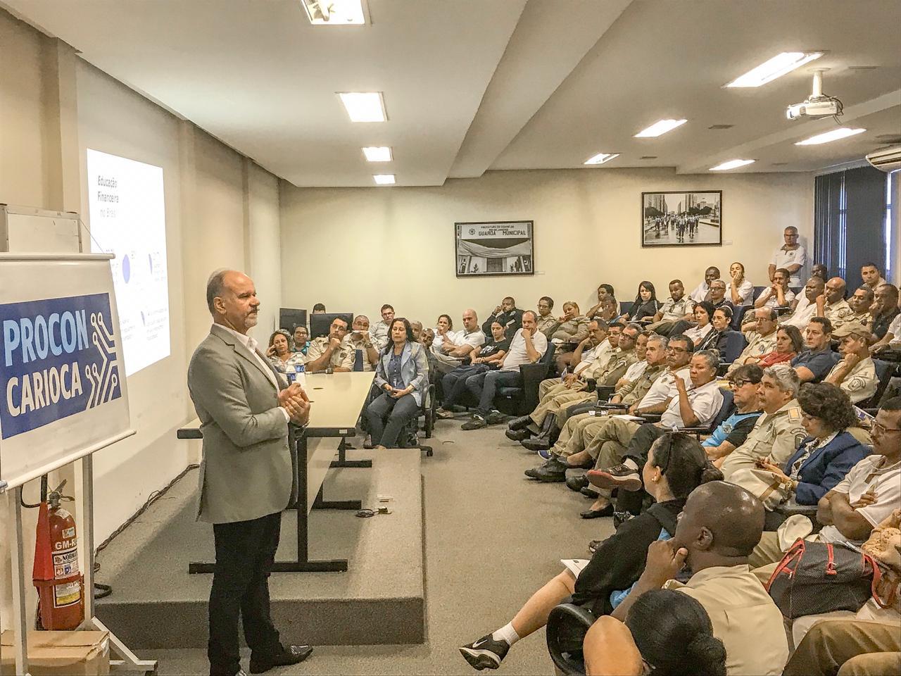 Começa Semana de Educação Financeira do  Procon Carioca e da Guarda Municipal